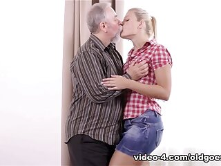 Downcast Ukrainian blondie ignored added to fucked off out of one's mind aged doyenne cadger - OldGoesYoung